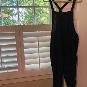 Black linen loose fit overalls- never worn